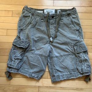 Men's Abercrombie & Fitch cargo shorts, size 36